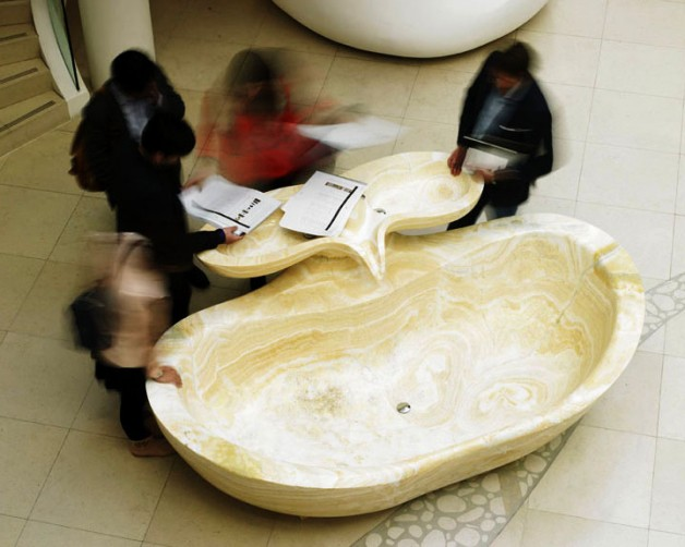 Onyx bath with double basins